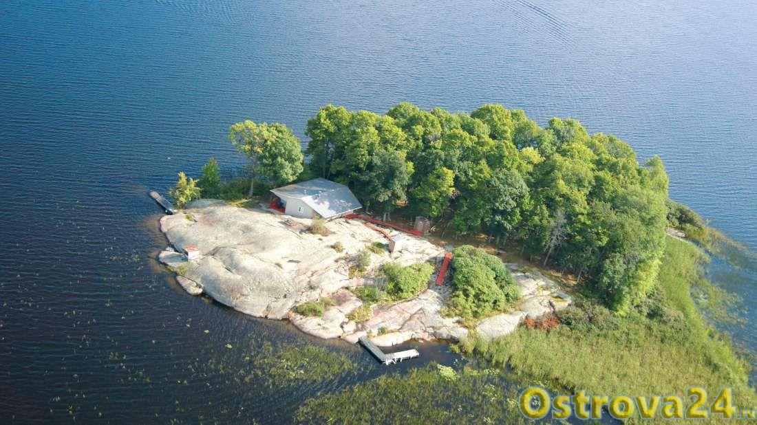 Остров на озере Ниписсинг
